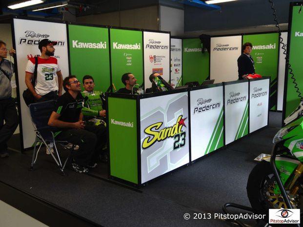 Piloti e Staff Team Pedercini @ SBK Monza 2013-s