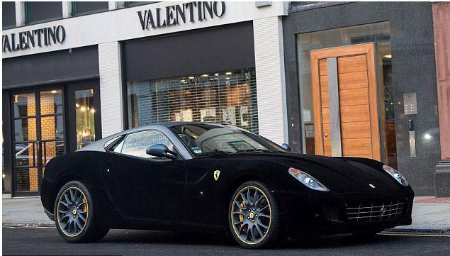 Donne e Motori, le foto migliori! – Ferrari 599 Gtb Fiorano in velluto nero da Valentino