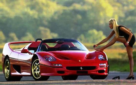 Donne e Motori, le foto migliori! – Guidando una Ferrari