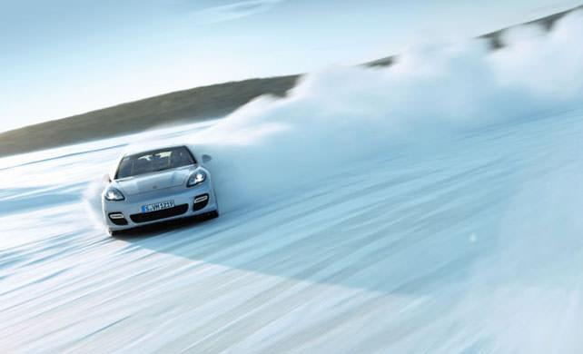 Guidare sul ghiaccio - consigli di guida sicura per l'inverno