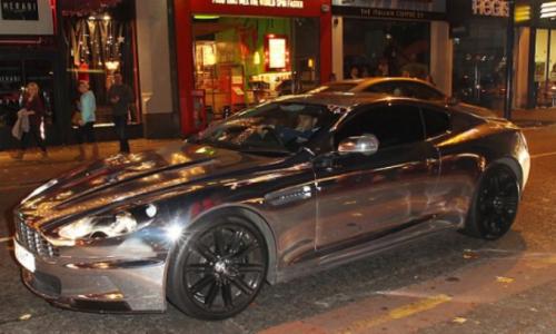 I 5 calciatori con le auto più brutte (FOTO)-Pennants-Chrome-Aston-Martin