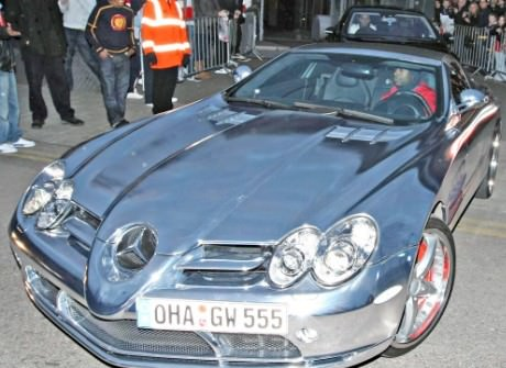I 5 calciatori con le auto più brutte (FOTO) William-Gallas-Chrome-Mercedes-McLaren