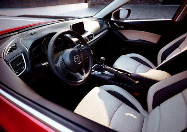 Mazda3_2013_interior_01