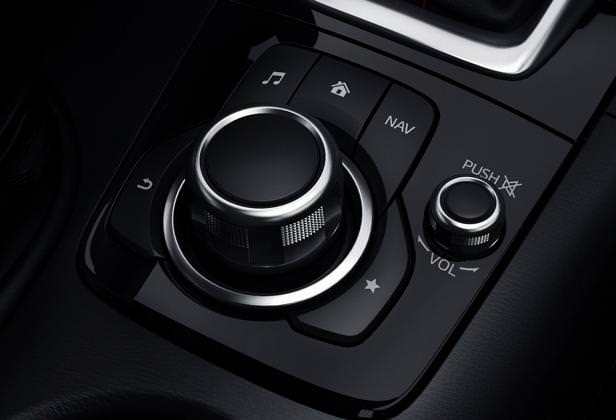 Mazda3_2013_interior_23