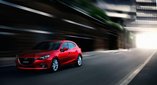 Mazda3_Hatchback_2013_action_01
