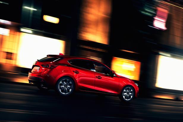 Mazda3_Hatchback_2013_action_03