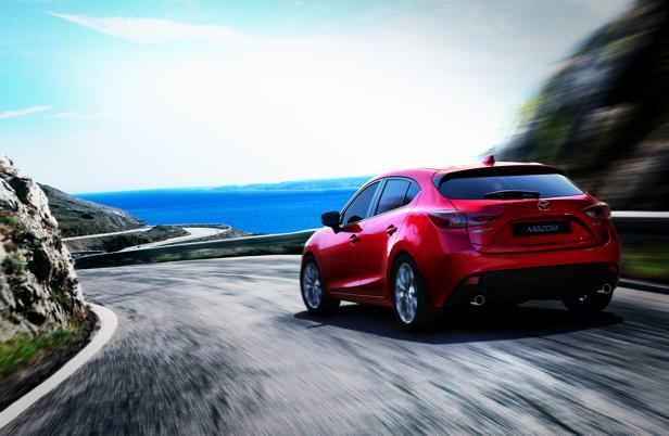 Mazda3_Hatchback_2013_action_06