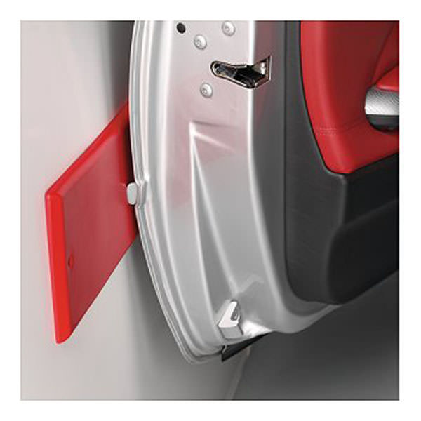 Portiere auto come proteggere gli sportelli dai colpi nel for Ampio garage per auto