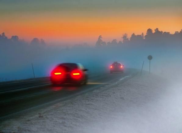 Guidare in sicurezza- consigli per una guida sicura in caso di nebbia