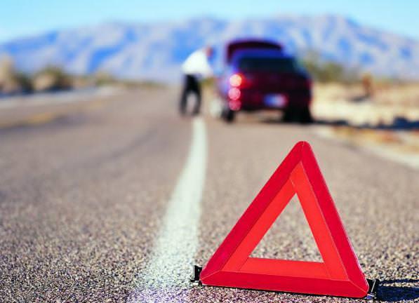 Corsia di emergenza- multe e regole per la sosta e l'utilizzo corretto