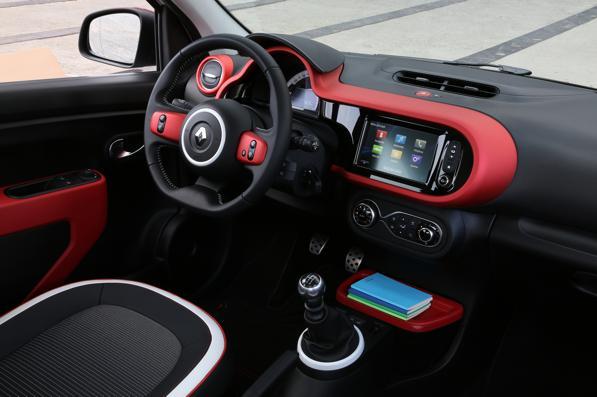 Nuova Renault Twingo 2014, vuoi provarla 3