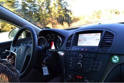 Pulire l'aria condizionata auto: manutenzione del climatizzatore.