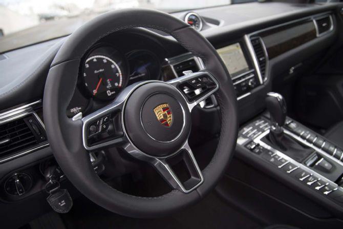 Porsche Macan Forum >> Problema volante auto: come riparare lo sterzo della macchina?