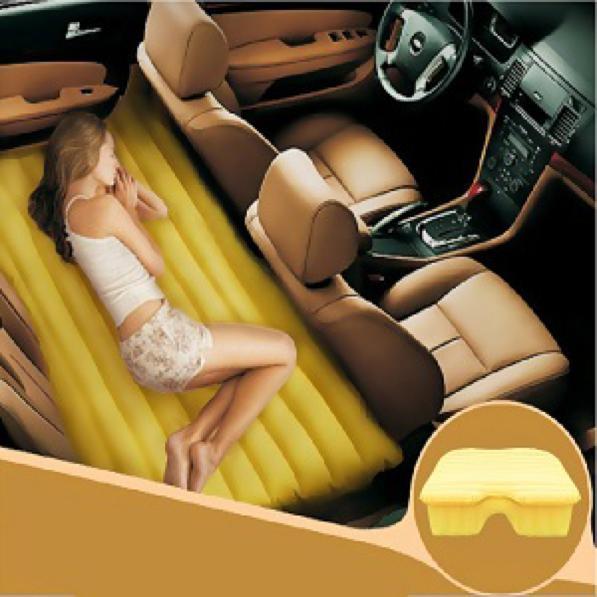 Letto in auto come creare un posto letto in macchina - Come essere sensuali a letto ...