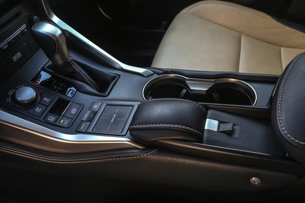 Lexus NX 2.5 Hybrid 4WD Luxury - 4 -Auto e neve