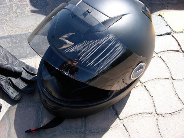 Graffi casco e visiera - come eliminare un graffio dal casco moto?
