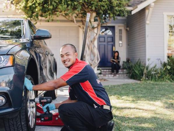 Officina a domicilio - il meccanico che ripara l'auto a casa tua