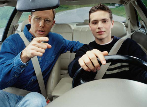 Insegnare a guidare - ecco come si fa.
