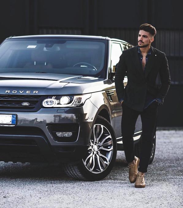 Auto, moda e stile: anche Mariano di Vaio sceglie la Concessionaria Ambrosi