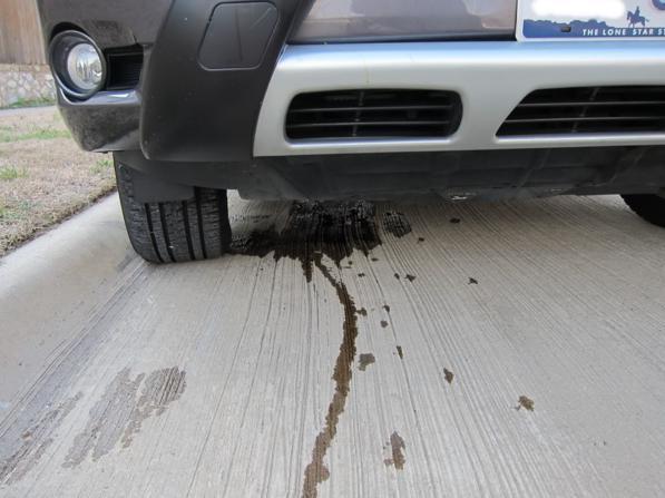 Auto perde olio? Ecco quali sono le cause della perdita olio motore