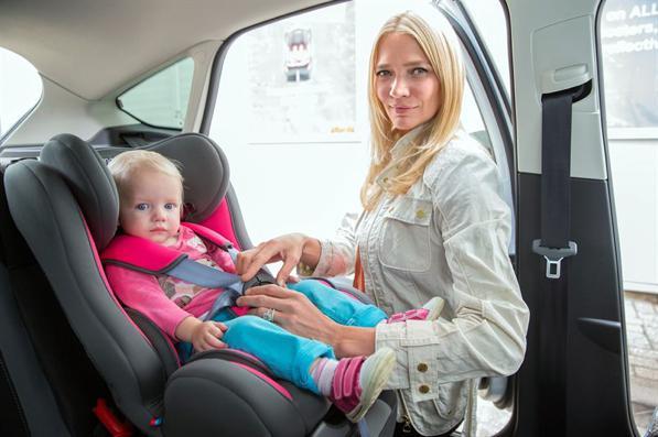 Sicurezza dei bambini in auto: 8 consigli da tenere a mente