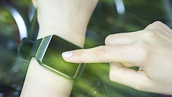 Sicurezza del guidatore: app e smartwatch che monitorano le condizioni psico-fische dell'automobilista