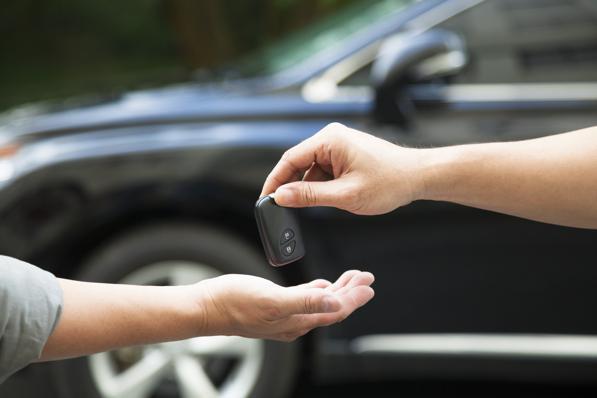 Compravendita auto tra privati: quale garanzia scegliere?