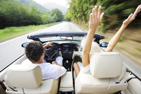 Italiani in viaggio: il mezzo più utilizzato è sempre l'auto!