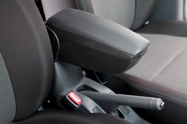 Bracciolo per auto: come montare o sostituire il poggiabraccio centrale?