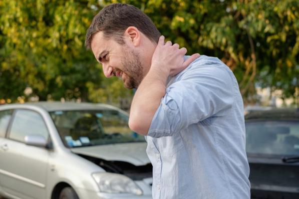 Colpo di frusta in auto: cosa fare e come ottenere il risarcimento dall'assicurazione?