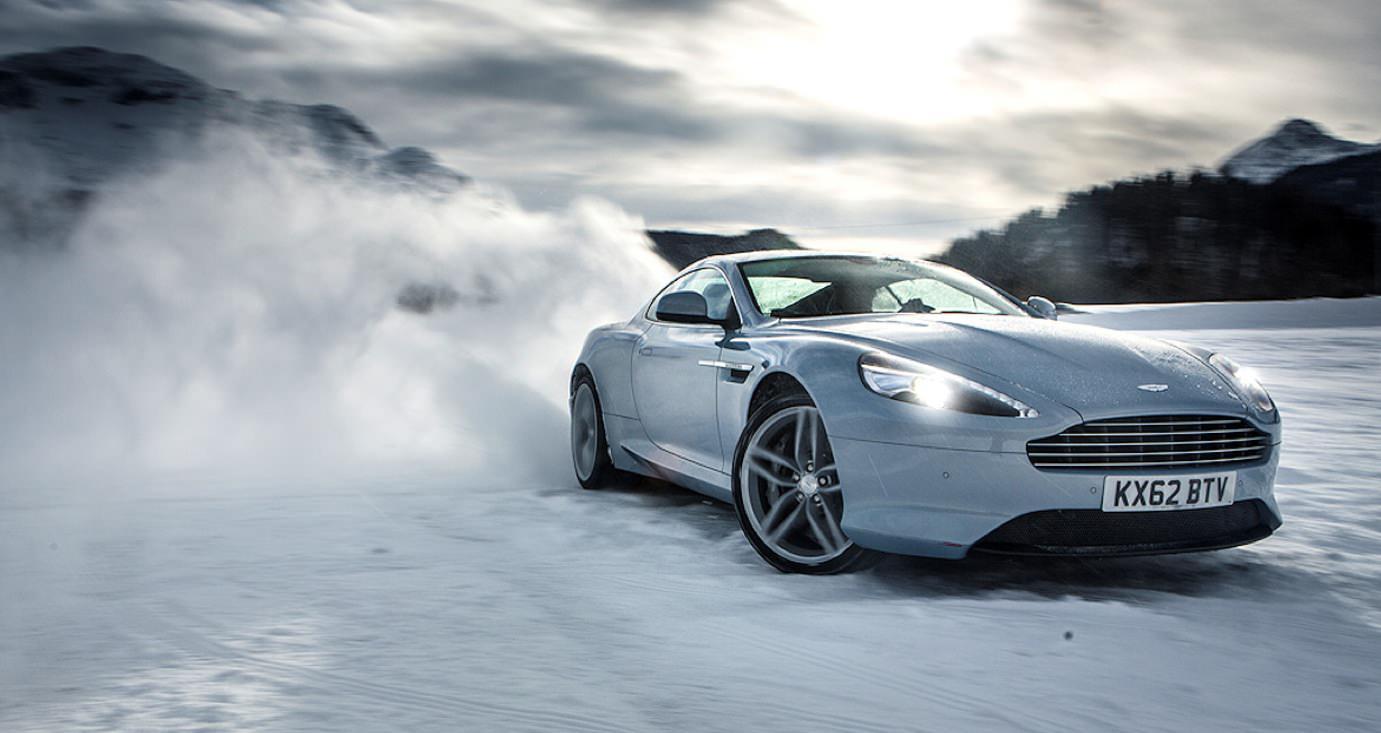 Guida con ghiaccio: consigli per guidare l'auto con il gelo