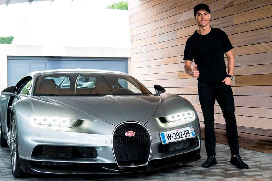 Calciatori e auto di lusso: quanto spendono per mantenere le loro supercar?