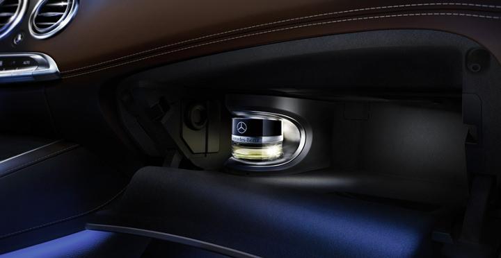 Profumare l'auto: 5 consigli per profumare l'abitacolo