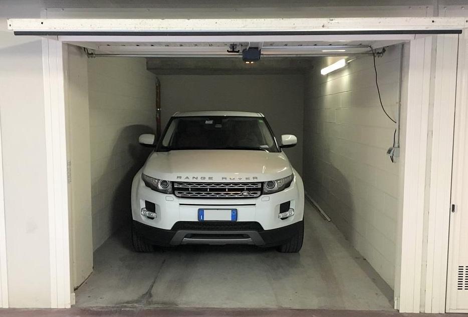 Auto ferma in garage: consigli per proteggere la batteria e la macchina in generale durante la quarantena